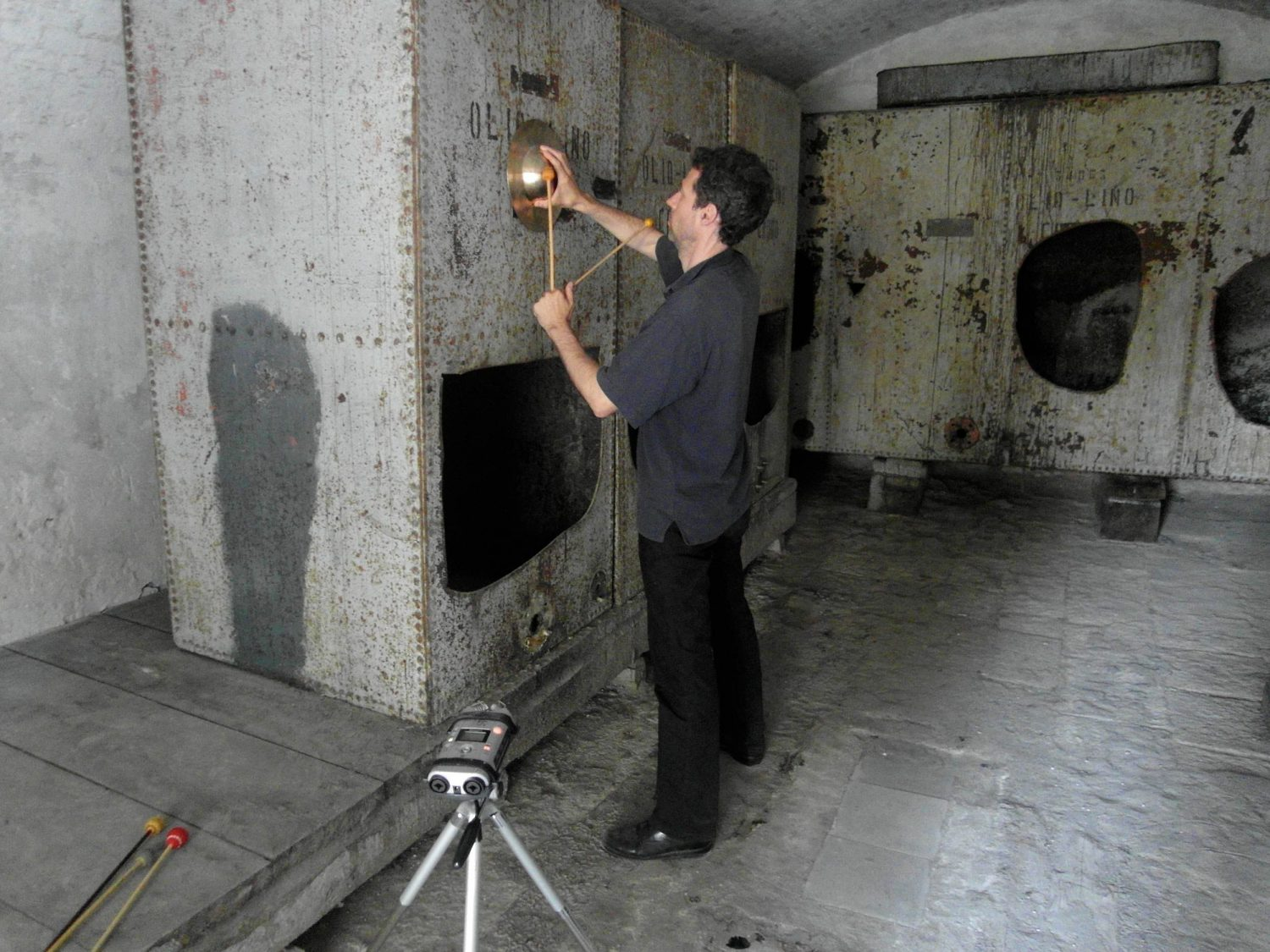 3 // In the third Room (Resonance of a Space) visitors could listen to a soundscape produced and developed out of the space in July 2012, using the existing huge oil tanks, by Hans-Peter Frehner (Music) with Lorenz Haas (Percussion)  (ensemble für neue musik zürich)